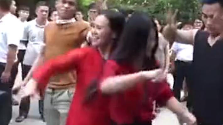 郑州百米尬舞街:草根狂舞直播