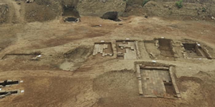 成都青羊大道旁出土75座古墓 手机新浪网高清图片