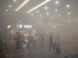 浦东机场T2航站楼电瓶车自燃