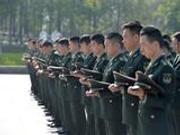 汶川地震十周年 某陆航旅官兵祭奠邱光华等烈士