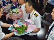 """特级飞行员点赞川航机长 解析""""世界级""""备降过程"""