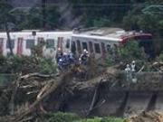 日本大范围普降暴雨致新干线部分路段出轨停运