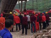 辽宁本溪爆炸事故首批被困六名矿工今早成功升井