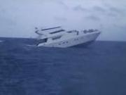 """""""凤凰号""""员工:当时到珊瑚岛10分钟 来不及转向"""