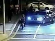 """""""反杀案""""骑车男讲述被砍过程:当时感觉要死了"""