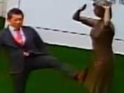 日本人脚踹慰安妇铜像跑了 岛内民众怒:回来受审