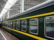 暴雨致沪昆铁路大面积晚点 乘客端午出行受阻