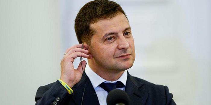 """""""电话门""""有关默克尔措辞惹恼德国 乌方安抚被批"""