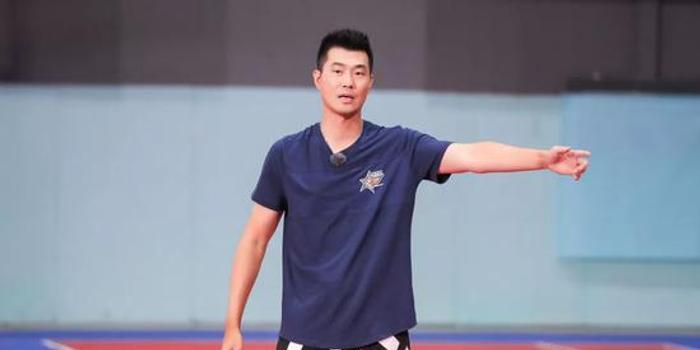 王仕鹏:不想靠男篮上热搜 做贡献不光是嘴上说的