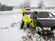 合肥公交站台被雪压塌 涉事公司:已排除全部隐患