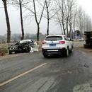 男子抢劫滴滴司机开走车 十余分钟后撞车身亡(图)