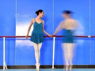 """""""芭蕾奶奶""""一年跳出少女身材"""