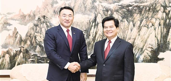 李纪恒会见蒙古国矿业与重工业部部长
