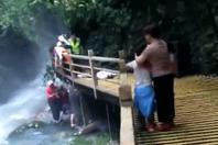 张家界景区突发落石 游客1死3伤1失联
