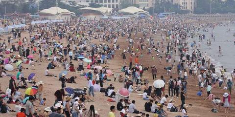 端午假期,青岛海水浴场又下饺子啦