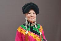 乔进双梅:让更多人欣赏彝绣 把民族文化传承下去