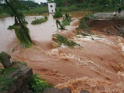 强降雨致四川超62万人受灾 转移7.54万人