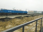 抵御50年一遇洪水 重车压梁6小时扛洪峰保涪江大桥