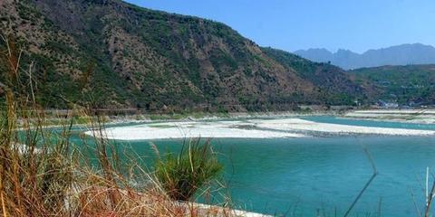 大渡河石棉段沿岸山水风光美景迷人