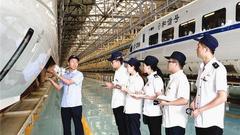 西成高铁即将开通 西三角或成中国经济增长第四极