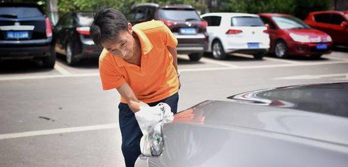 洗车10元成都这家店坚守3年后提价50%