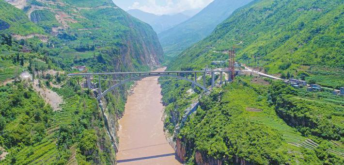 亚洲第一高溜退休 金沙江架起幸福桥