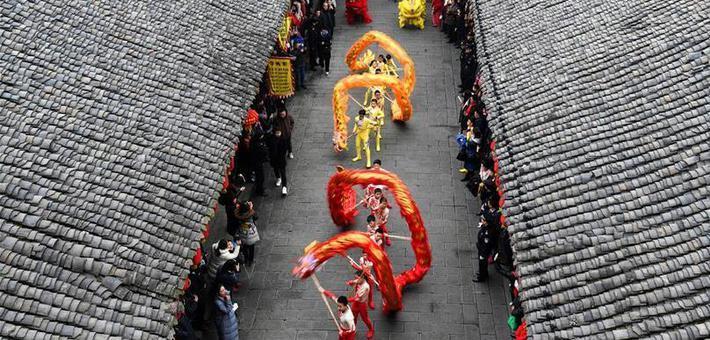 四川阆中古城:龙腾狮跃迎新春