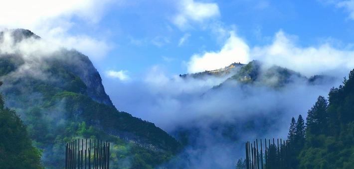 雨后巴山大峡谷 尽显神秘婀娜