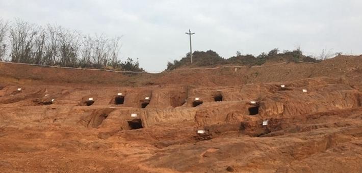 成都发现东汉至南北朝崖墓群