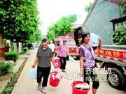 青州涝洼村村民:洪水来时 犹豫了几分钟接着就被困住