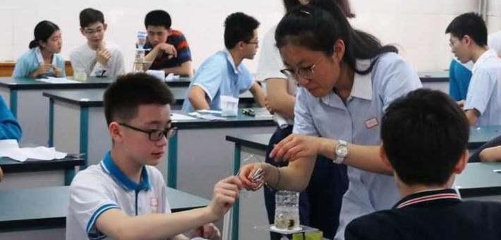 山师附中推荐生考试 56名考生忙煮蛋