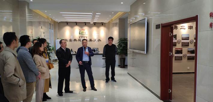 潍坊:新媒体大V走进潍坊高新区 感受文明高新新风貌