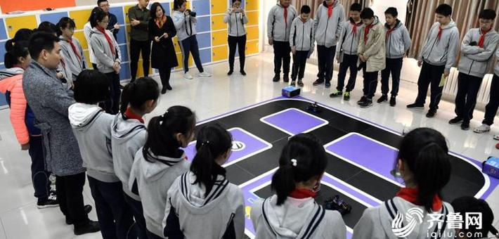 无人驾驶 语音识别 济南中学生玩起了人工智能
