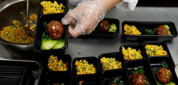 上海老字号助力复工人员安心午餐