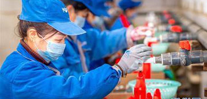 运城:加紧生产消毒液 增加供应