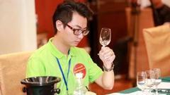 品酒师大赛决赛:一看二闻三品 品酒师是这样炼成的