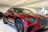 宾利欧陆Continental GT,看得我心痒痒,只是囊中太太太羞涩!哈哈