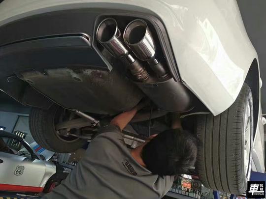 奥迪a4l改装台湾res双边双出阀门排气