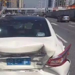 劳斯莱斯最近频繁搞马路碰撞测试,这次日产天籁三厢变两厢高清图片