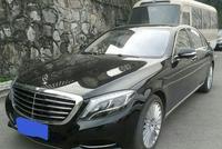 老板开227万元的奔驰S500L去见客户,客户进车厢后不由自主笑了