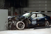 NCAP、IIHS测试靠碰撞,顶级超跑咋办?一撞就毁几千万?