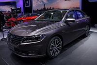 北京车展朗逸plus重磅亮相,两代车型同堂销售,科技配置更丰富