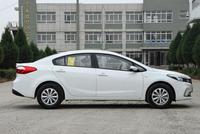 这款轿车价位不到8万元, 颜值很高, 开出去有回头率, 家用很合适