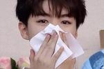 《中餐厅2》路透,王俊凯搬烤箱表情十分痛苦,网友:很真实图片