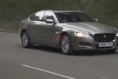 操控不输宝马5秒破百叫板奔驰E,2018捷豹XF中大型豪华轿跑
