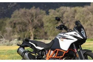 50岁的人想骑摩托摩旅,哪款摩托车适合?应该注意些什么呢?