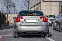 国内最安全的豪车,狂降7万和迈腾卖一个价,比奥迪A4L漂亮
