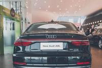买辆低配奥迪A8L,朋友说他没钱,随后车主从包里掏出了三把钥匙