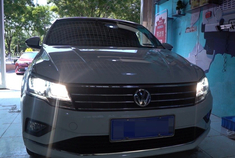 北京高尔夫R原车麻面透镜升级高清透镜