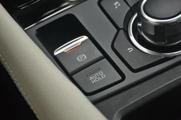 刹车失灵能不能拉电子手刹?这就是机械手刹和电子手刹的区别